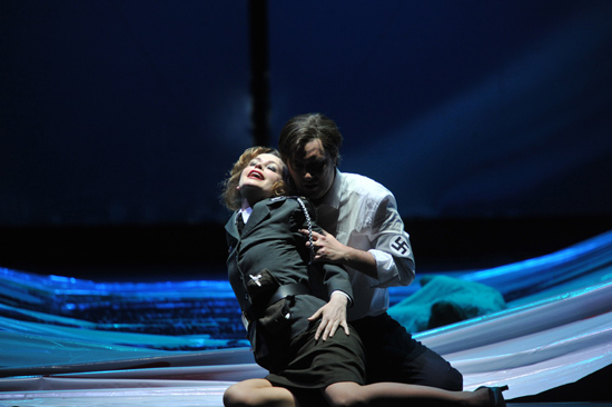 Elena Zhidkova (Venus), Daniel Frank (Tannhäuser) - � Hans Joerg Michel/Deutsche Oper am Rhein